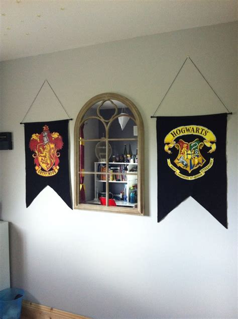 harry potter gryffindor themed room robs bedroom home happiness pinterest