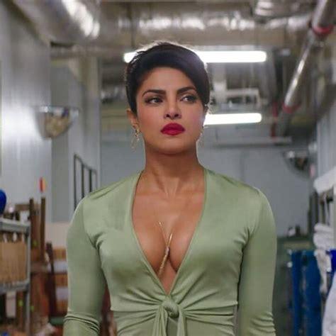 priyanka chopra in baywatch image 11 reasons why priyanka is the perfect baywatch girl