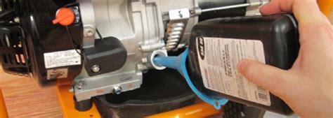 mengganti oli genset  mudah sesuai prosedur sariling genset
