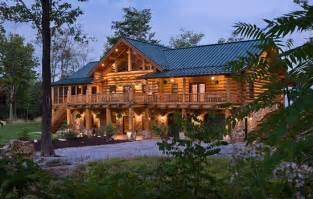 lukcik s log homes carvers builders of custom handcrafted structures