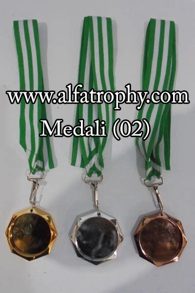 Boneka Wisuda Tulungagung medali murah jambi alfa trophy distributor trophy