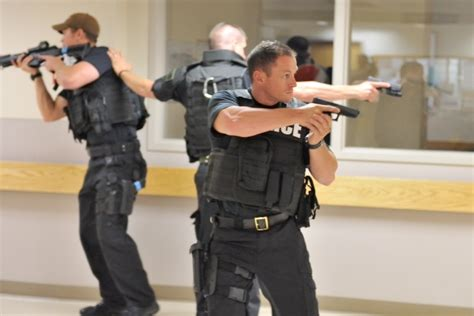 active shooter survival guide 21 lifesaving lessons on how to survive a deadly active shooter situation books active shooter drill county