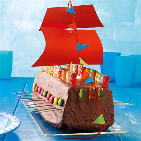 kuchen piratenschiff rezept wikingerschiff torte rezept mit bild k 252 cheng 246 tter