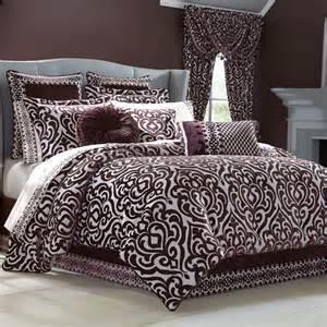 sicily plum medallion comforter bedding by j new york