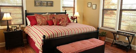 Cottage Master Bedrooms by Country Cottage Master Bedroom Www Imgkid The
