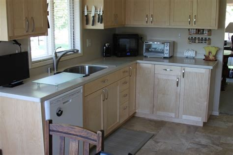 Low Maintenance Kitchen Countertops by Solid Surface Countertops For Your Kitchen