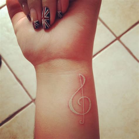 15 white ink tattoos you need to see before considering