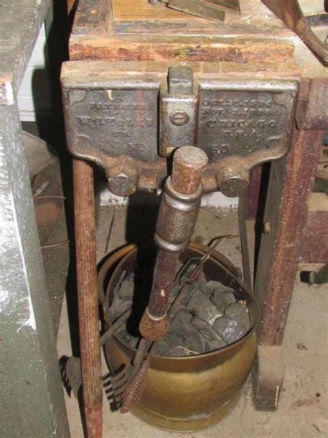 estatesalesnet antique   toles woodworking