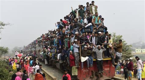 Wanita Hamil Naik Kereta Api Ngerinya Tradisi Naik Kereta Api Ala Orang Bangladesh