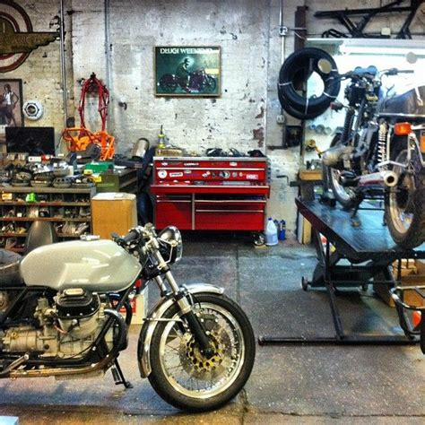 Motorcycle Garage by 17 Best Ideas About Motorcycle Shop On