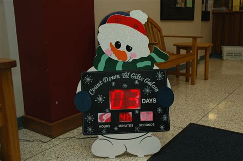 pictures on electronic christmas countdown easy diy