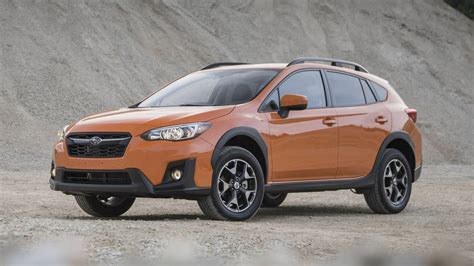 subaru crosstrek 2018 2018 subaru crosstrek review motor1 com photos