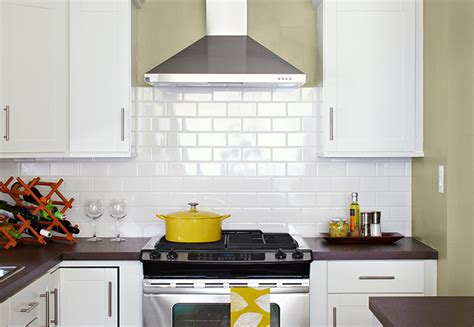 Pictures Of Subway Tile Backsplashes In Kitchen by Small Budget Kitchen Makeover Ideas