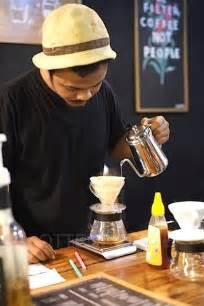 merayakan malam  gerobak kopi payakumbuh majalah otten coffee