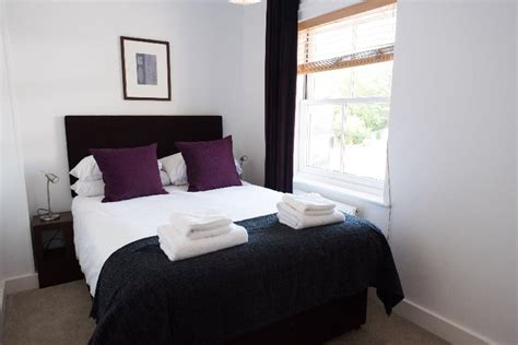 bedroom business nelson court 3 bedroom business your space apartments