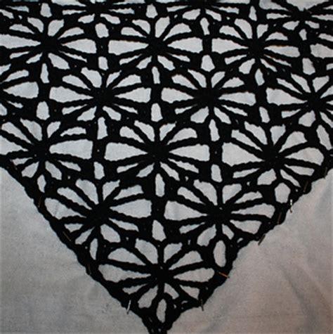web like pattern ravelry web of flowers lace shawl pattern by melissa
