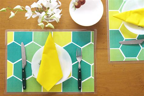 How To Make Mat With Paper - printable diy table mats the craftables