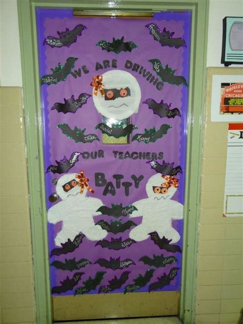 halloween reading themes 32 best classroom door ideas images on pinterest