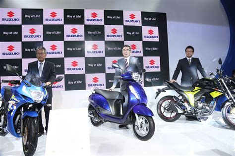Two Wheeler Motorcycle by Suzuki Two Wheelers Unveils New Access Gixxer And Gixxer