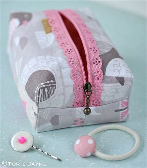 sewing pattern zipper case boxy lace zipper pouch sewing tutorial תיקים ארנקים