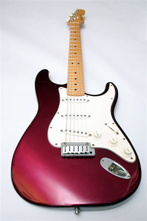 how to put on a fender in a 2003 maserati spyder an introduction to the fender stratocaster