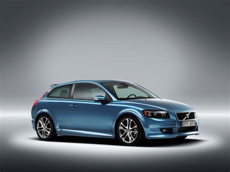 The New Volvo C30 Young Dynamic People With Intense