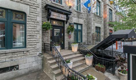 quebec city military tattoo h tel le voyageur blogue le grande allee hotel suites quebec city canadian affair