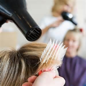 chez le coiffeur francesays