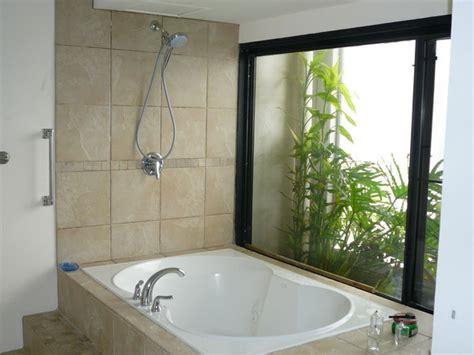 whirlpool bathtub shower bathroom ideas for decorating 171 design and decorating