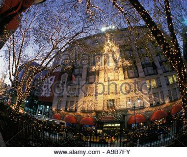 lighting stores midtown manhattan christmas tree decorations at macy s department store in