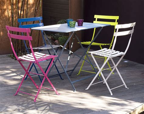 Fermob Bistro Table And Chairs Fermob S Bistro Chairs And Oblong Table Create A Pop Of Color In Any Outdoor Space Outdoor