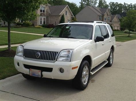 purchase used 2004 mercury mountaineer premier v8 awd in avon ohio united states for us 5 225 00