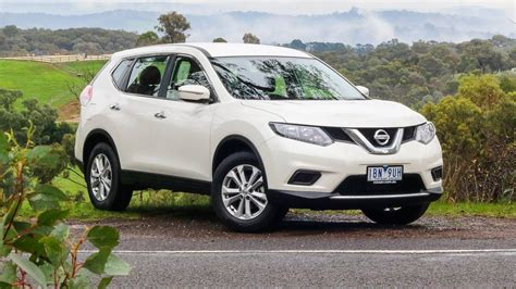 white nissan car nissan x trail 2015 white www imgkid com the image kid