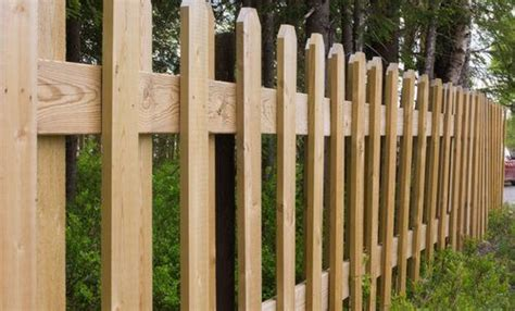 wood  vinyl fence pros cons comparisons  costs