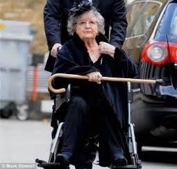 Trevor Banister Actress Mollie Sugden Dies At 86 Daily Mail Online