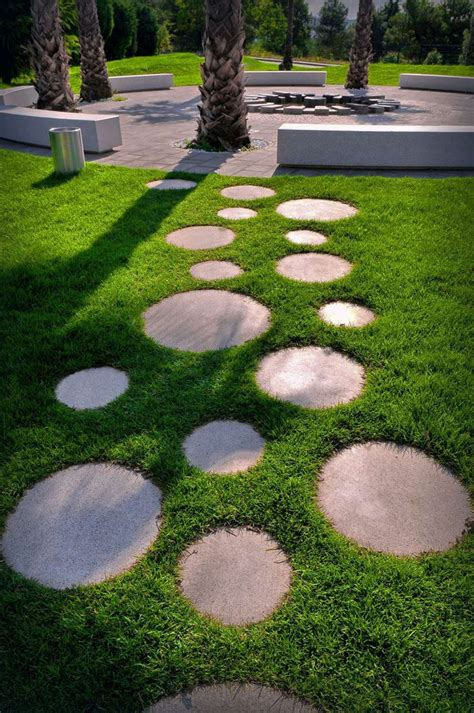 the best garden stepping stones ideas on diy