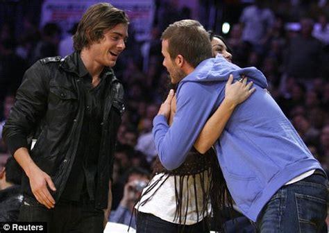 Beckham Venessa how s high school becks meets starstruck fans hudgens and zac efron at the la