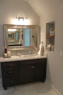 the vanity and mirror offset sink to one side