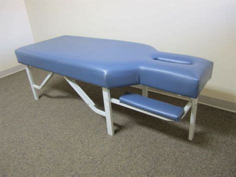 used chiropractic tables for sale used winco win 8600 chiropractic table for sale dotmed