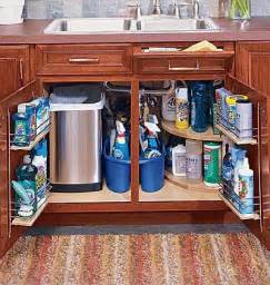 Love the on the door storage shelving and cleaning caddy