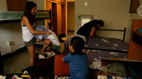 reves room diagram william mary freshmen move in with a little help from friends families