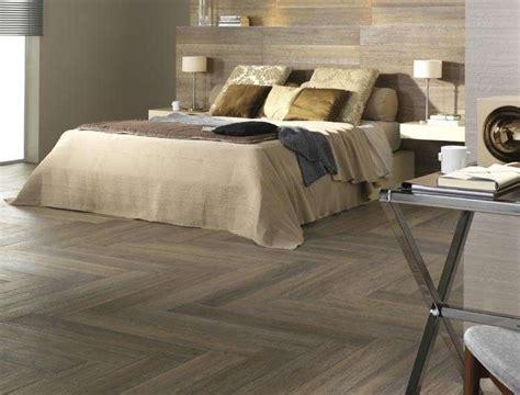 pavimenti in finto legno pavimenti in finto legno foto 29 41 nanopress donna