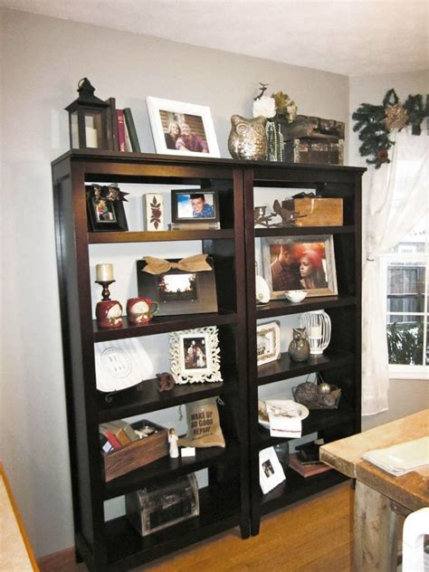 simple but attractive bookshelves decoration in dining room
