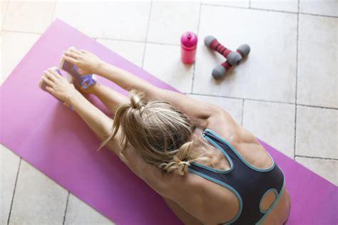 fare ginnastica in casa ginnastica in casa 4 attrezzi fitness indispensabili