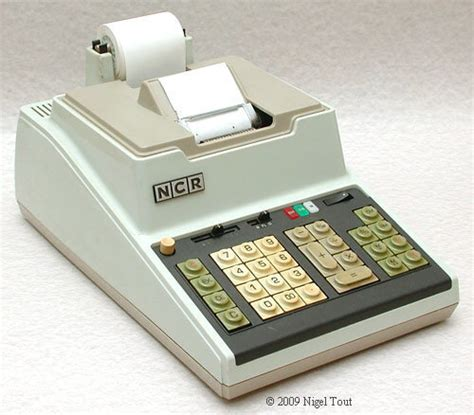 calculator ncr busicom 141 pf and intel 4004