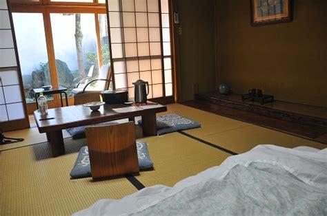 japanisch matratze japanische matratze awesome japanischer schrank mit