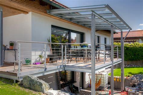 stahl überdachung terrasse terrasse aus stahl w 228 rmed 228 mmung der w 228 nde malerei