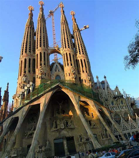 great architecture sagrada familia the most unusual churches in the world