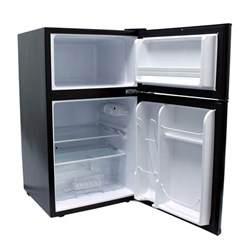 igloo 3 2 cu ft 2 door mini refrigerator freezer in