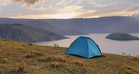 cobalah camping  menikmati keindahan danau toba